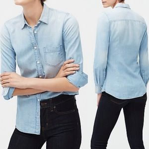 J. Crew Perfect Fit Button Up Chambray Shirt Small